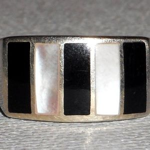 Jewelry - Vintage Sterling Silver Onyx MOP Ring